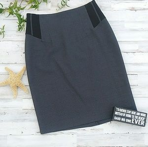Black and charcoal pencil skirt. Size 6p. EUC